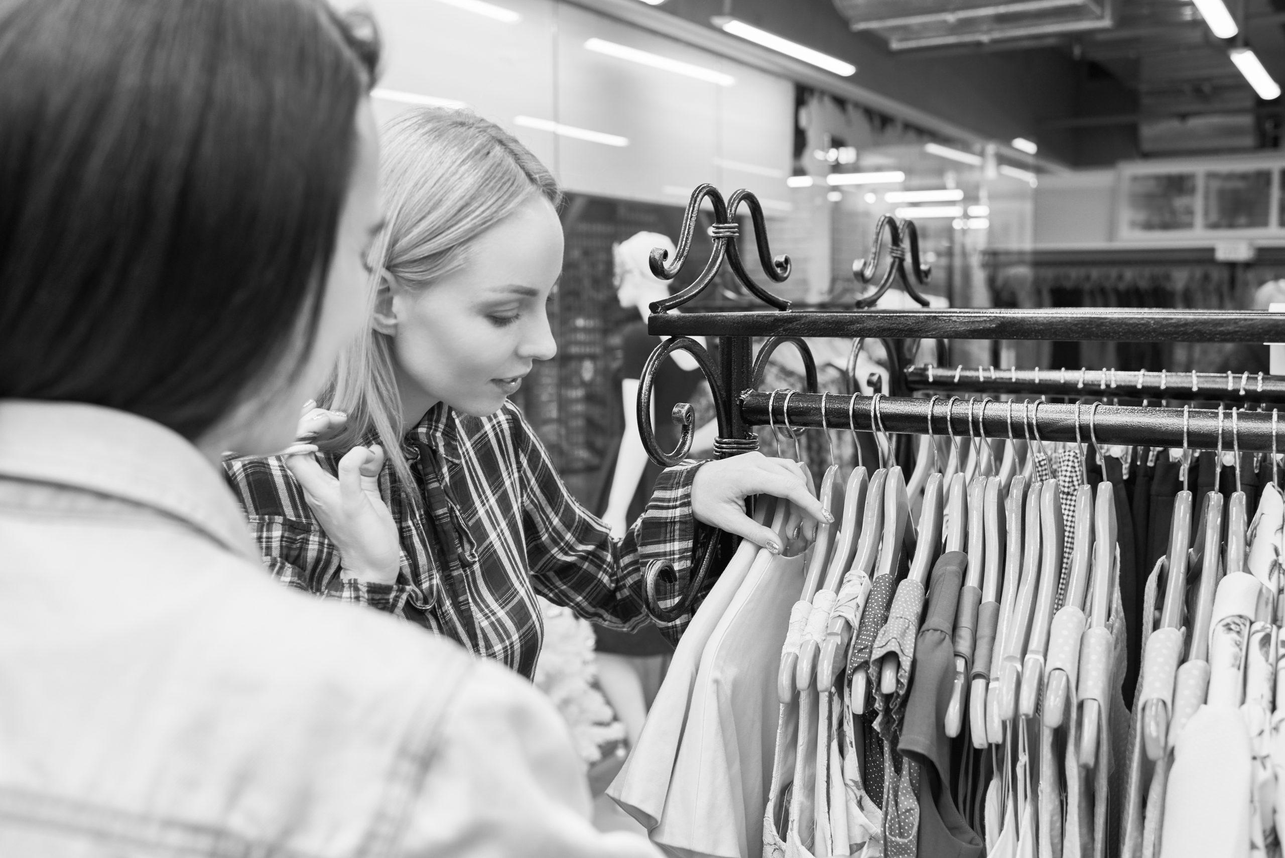 Vendeuse de vêtement